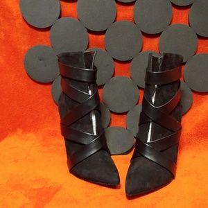 SHOEDAZZLE BLACK HEELS SIZE 6.5